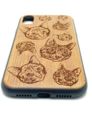 2020-Iphone-XR-2-Cats